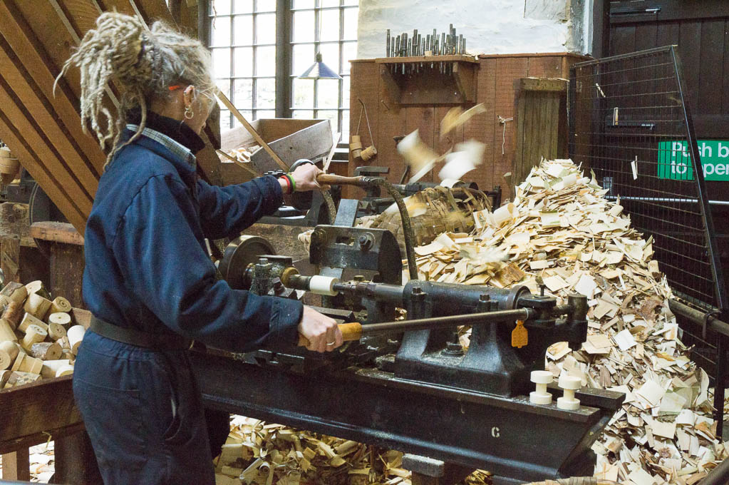 Demonstrations on the lathes