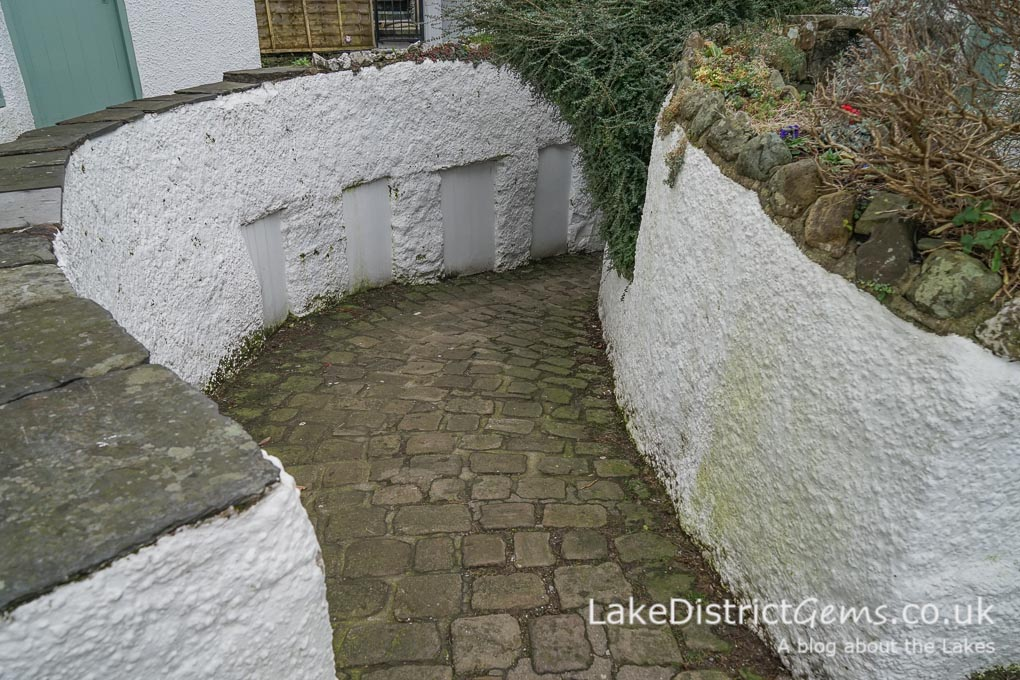 A ginnel in the centre of Ambleside