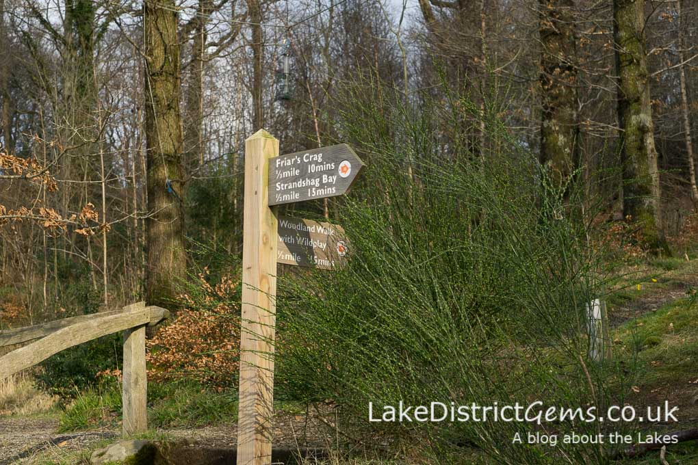 Signpost to Friar's Crag