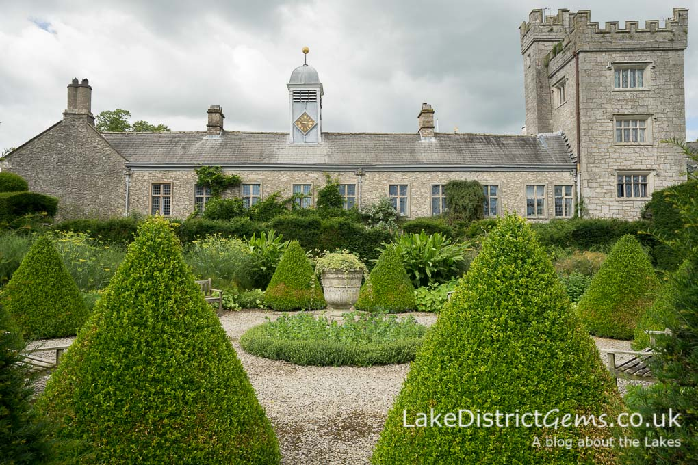 The world\'s oldest topiary garden: Levens Hall, near Kendal - Lake ...